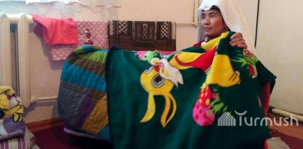 Нарында үйдү белекке алган памирлик Абдыбаиттин үй-бүлөсүнүн жашоосу (видео/сүрөт)