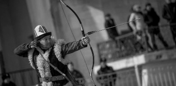 Кенан Айтач, этнический кыргыз начал изготавливать калпак, камчы