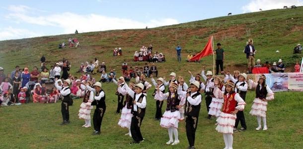 «Кыргызбыз» деп сыймыктанган Вандык кыргыздар